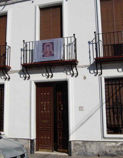 Casa de la familia García de Vinuesa. Situada en la calle Pablo Picasso. Es de arquitectura popular, y data del s. XX