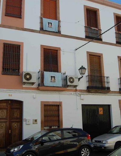 Casa de la familia Muela. Situada en la calle Blas Infante. Es de finales del s. XIX. De arquitectura popular
