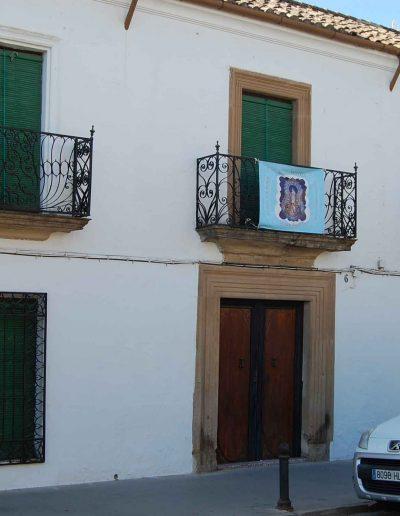 Casa de la familia Molleja. Se encuentra ubicada en la Plaza de la Constitución. Es de arquitectura popular y data del s. XIX