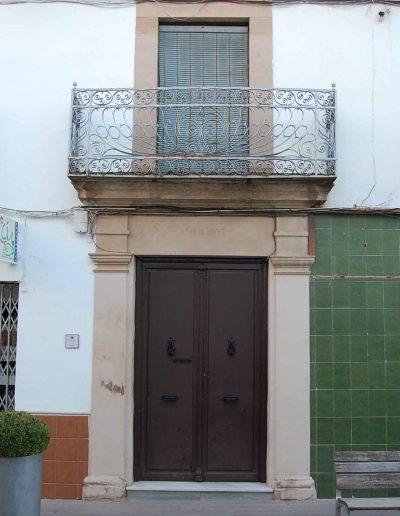 Se sitúa en la calle Juan de la Cruz Criado. Data del año 1857