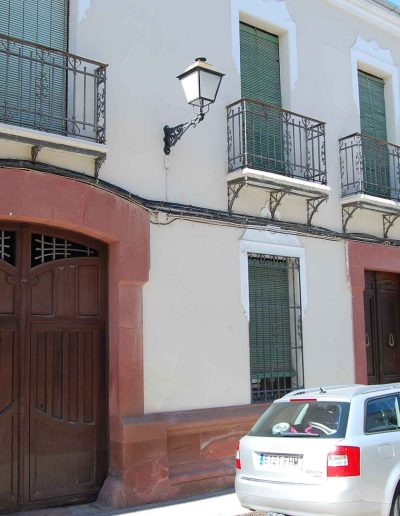 Casa de la familia Sánchez. En la calle Alta nos encontramos con esta casa de finales del s. XIX. De arquitectura popular