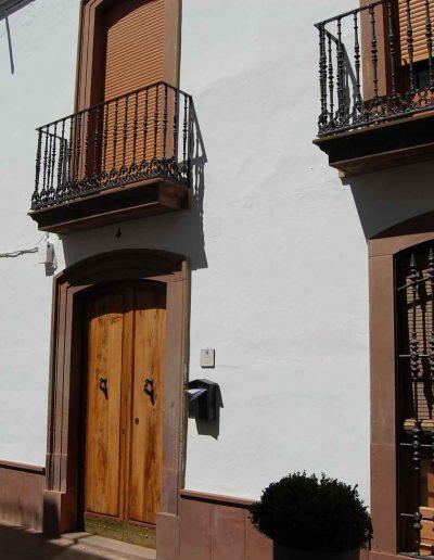 Casa de la familia Gaya - Espejo.Se ubica en la calle Juan de la Cruz Criado. De finales del s. XIX y es de arquitectura popular