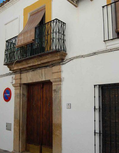 Casa de la familia Peñalver. De arquitectura barroca del s. XVIII, ubicada en la calle Hierro