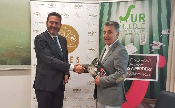 El Ayuntamiento firma un convenio con Fibes que apuesta por el sector del mueble 1