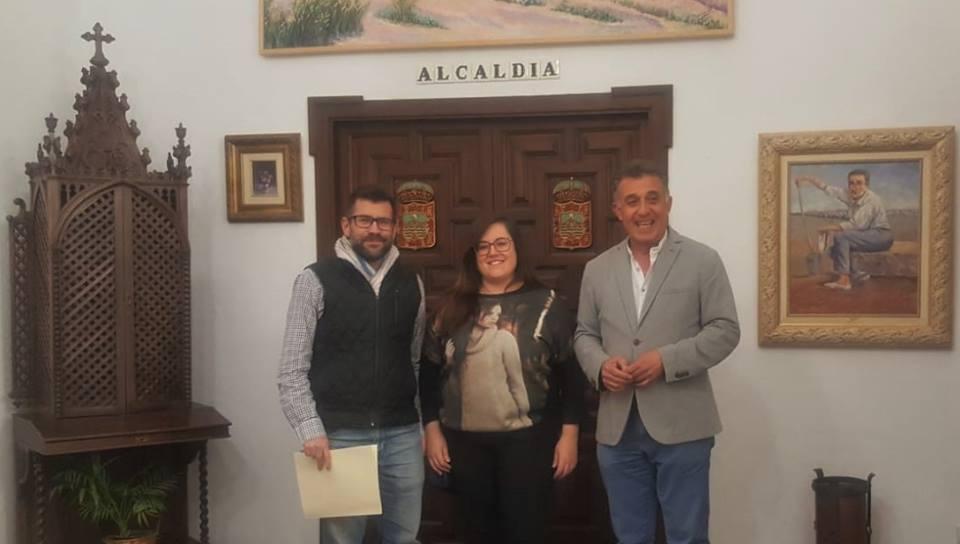 El Ayuntamiento firma un convenio de colaboración con la Agrupación de Cofradías y Hermandades de Villa del Río 1