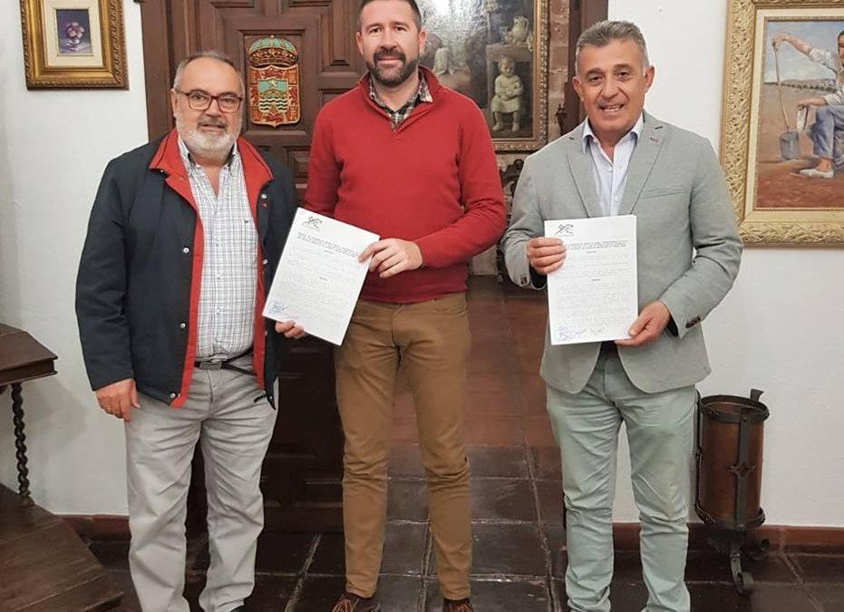 Firmado el convenio con el villa del Río C.F para la financiación de la gestión de los equipos de fútbol base 1