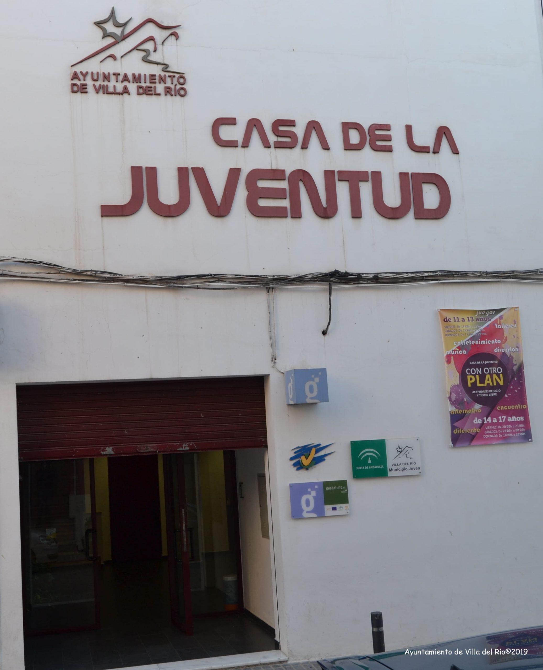 Edificio destinado al encuentro y actividades para jóvenes, donde también se encuentra el centro Guadalinfo