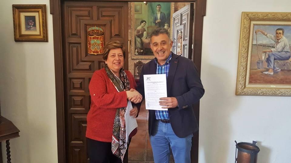 Firmado el convenio con la asociación de discapacitados 'El Granaillo' 1