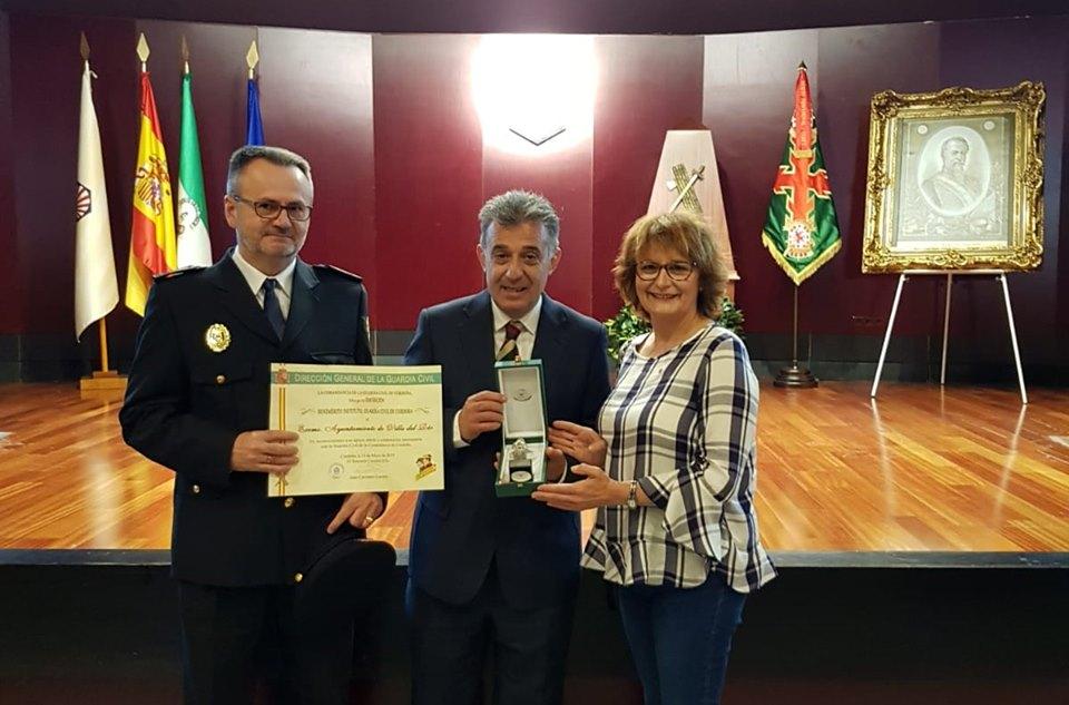 El Ayuntamiento es distinguido 'Benemérito Instituto,Guardia Civil de Córdoba' 1
