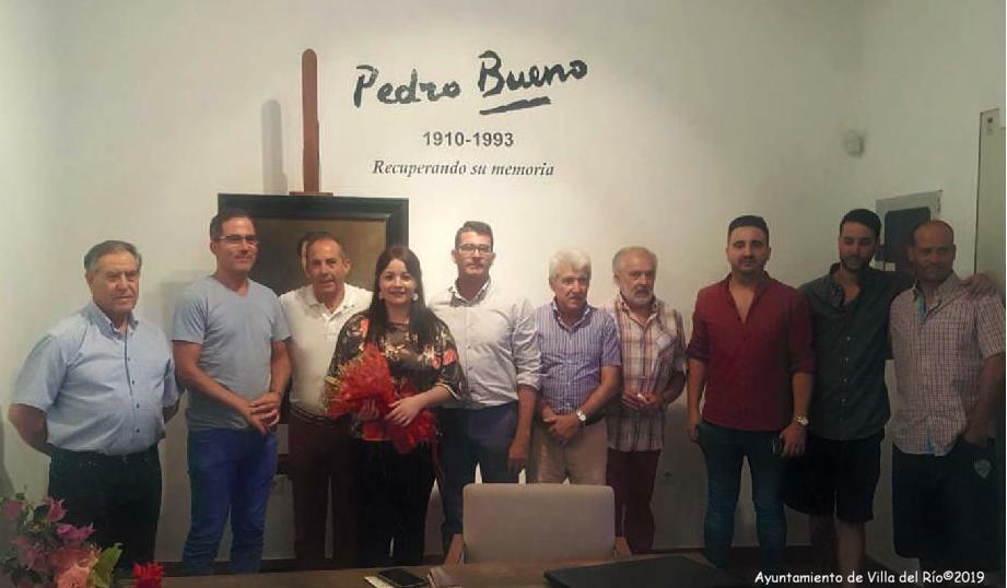 D. Francisco J. Luna Mantas junto a algunos de nuestros doce artistas