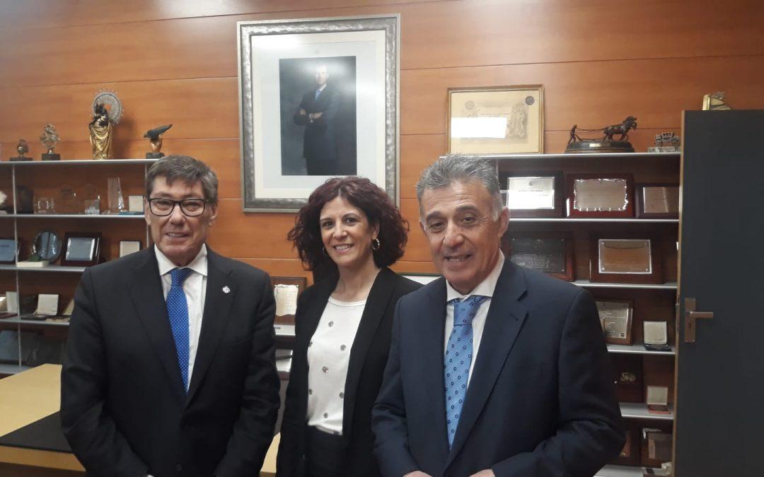 El Ayuntamiento apoya a los empresarios villarrenses del sector en la VII Feria del Mueble de Zaragoza 1