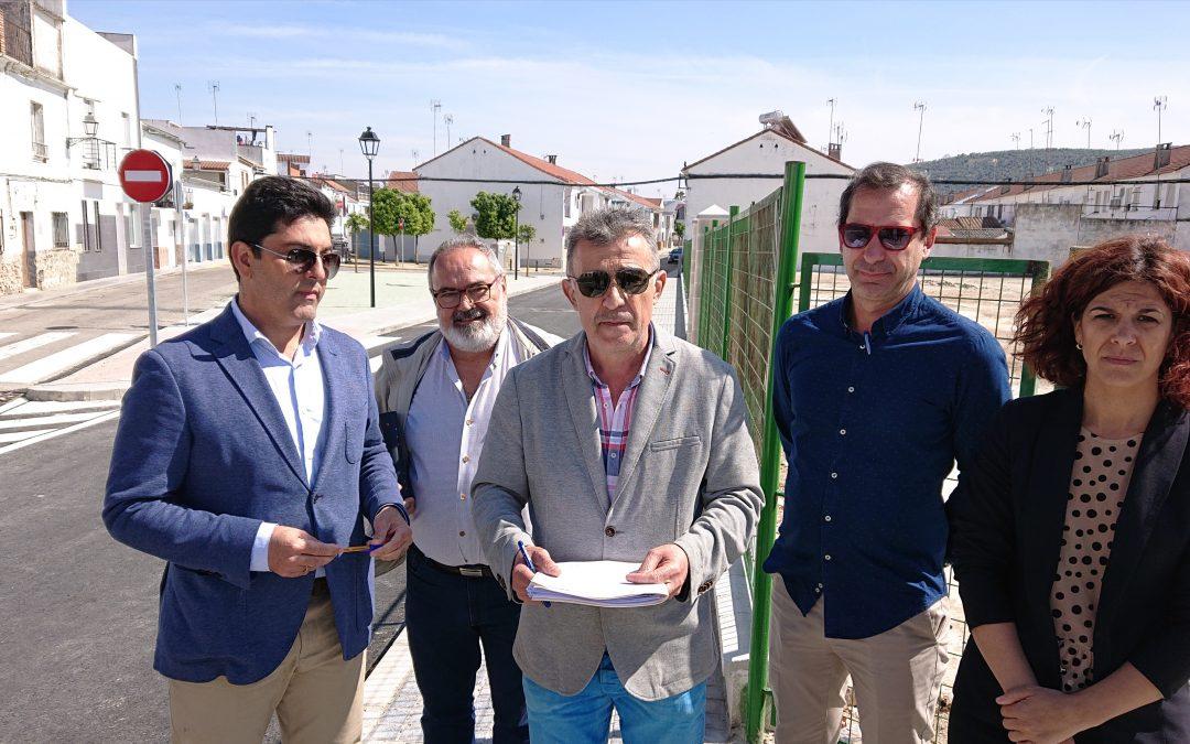 Recepcionadas las obras de reforma del cruce de la calle Córdoba con la carretera de Bujalance.  1