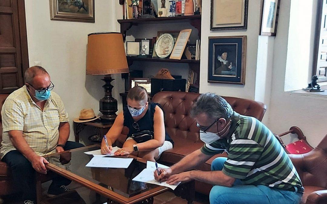 Firma del convenio con el club Villarrense de Natación 1