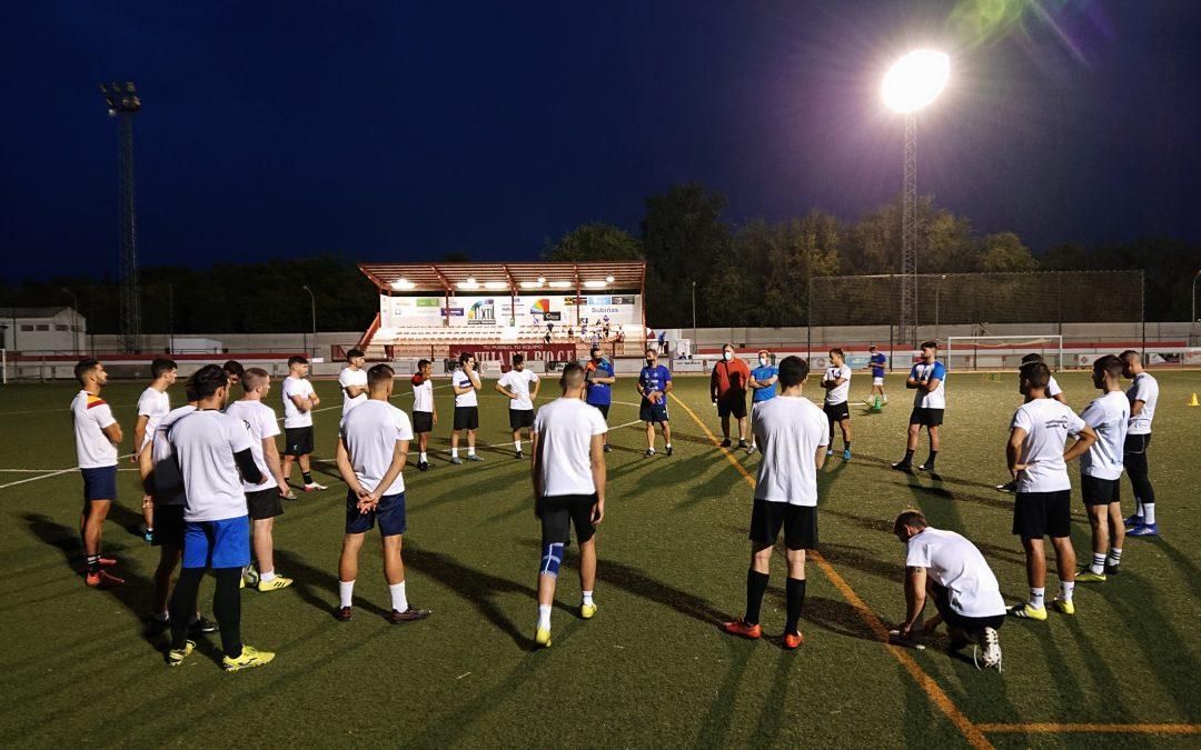 La reapertura del Campo de Futbol propicia la puesta de largo del Villa del Río CF 1