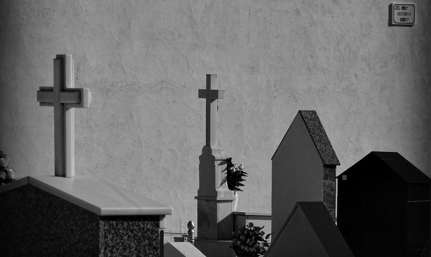 Aviso. Cementerio Municipal | Navidad 1