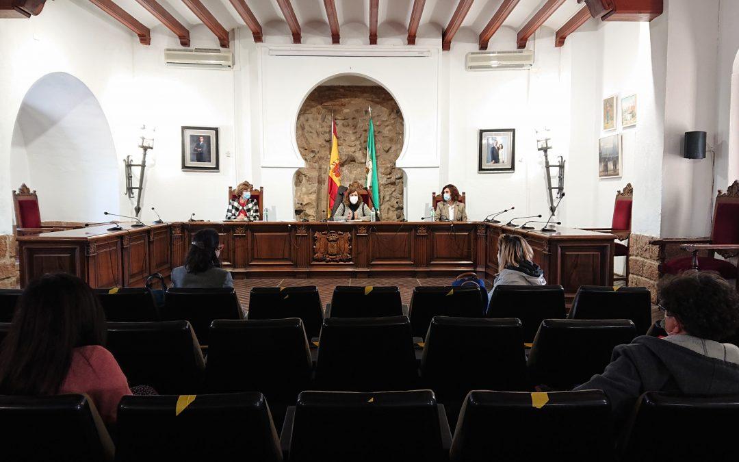 La delegada de Igualdad de la Diputación de Córdoba se reúne con distintos colectivos de la comisión de igualdad de Villa del Río 1