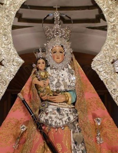La imagen es del s. XX. Fue encargada por el párroco D. Miguel Sánchez al escultor Juan Martínez Cerrillo y coronada en 1995