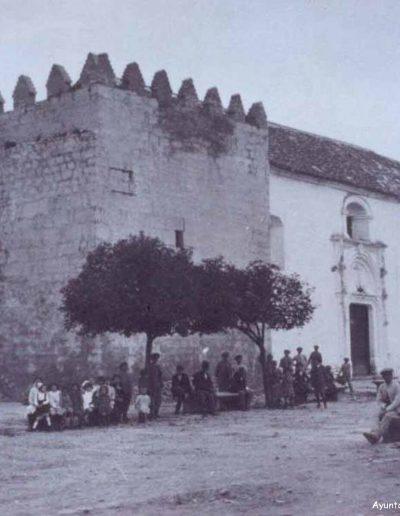 Foto antigua de la plaza de la Constitución, donde se encuentra el Castillo