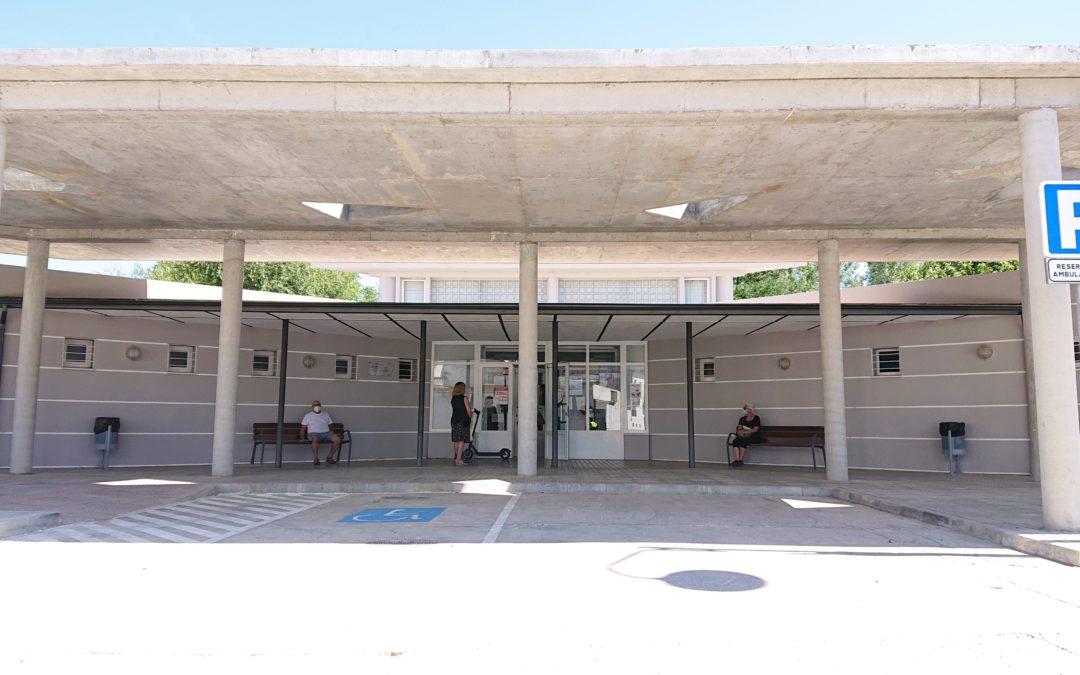 FINALIZADAS LAS OBRAS DE CONSTRUCCIÓN DE PÉRGOLA JUNTO AL CENTRO DE SALUD